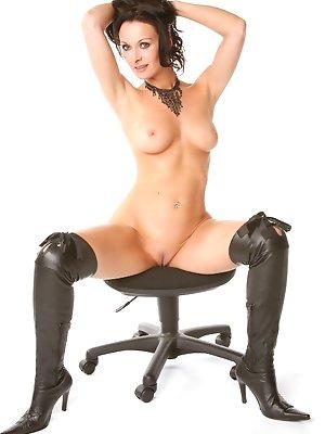 Carla Pacini - Boss's wife